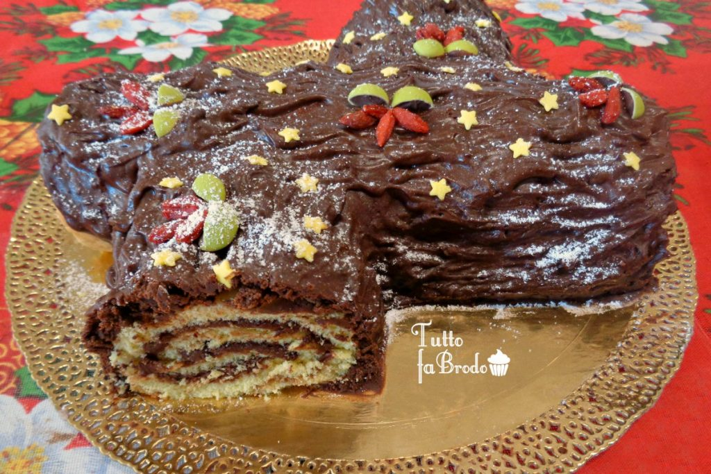 Come Decorare Il Tronchetto Di Natale.Tronchetto Di Natale Alla Nutella Tutto Fa Brodo In Cucina