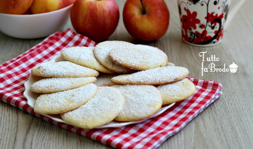BISCOTTI ALLE MELE FRULLATE